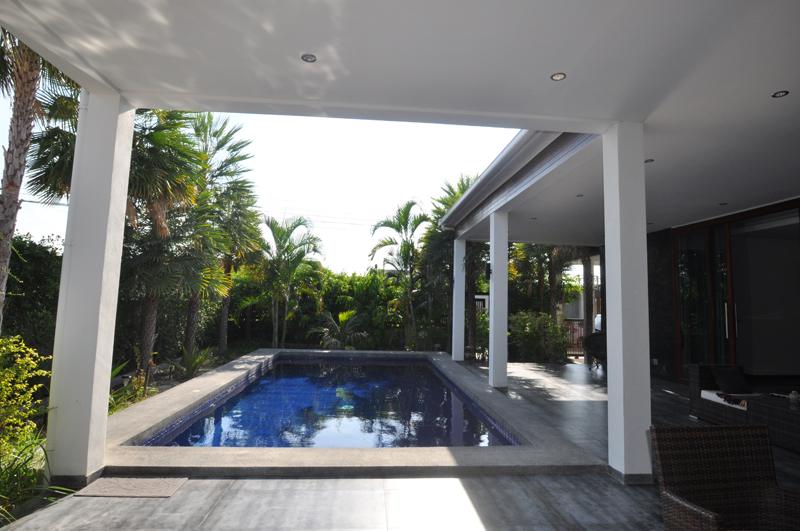 Отличная вилла с бассейном в проекте Green Scape
