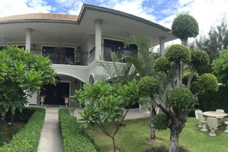 Красивая вилла с 3 спальнями рядом к рынком и аква-парком Vana Nava