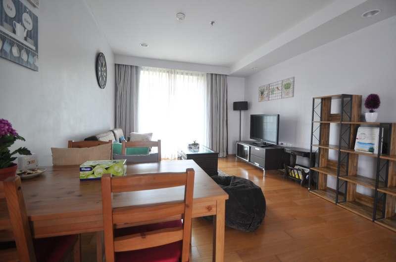 Отличная квартира в аренду с видом на бассейн. Баан Сансук.