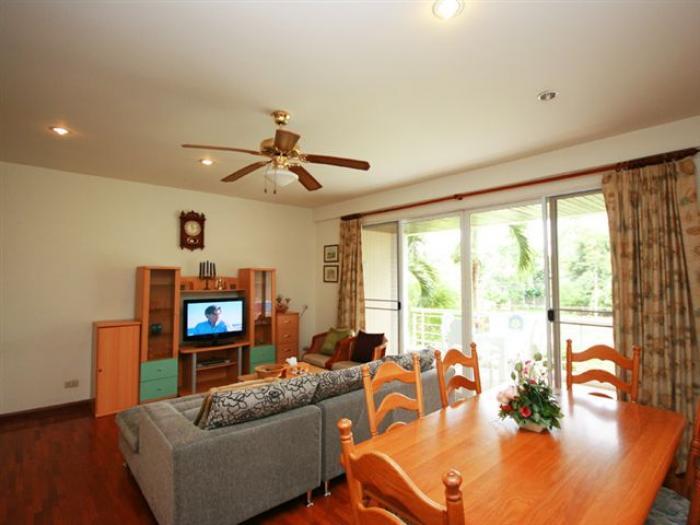 Отличная квартира на берегу моря Baan SanSaran