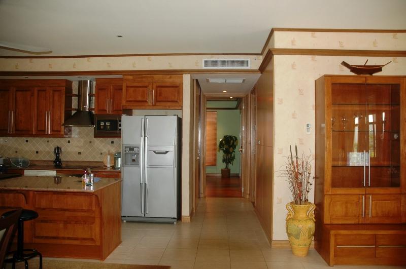 Аренда квартиры с 2 спальнями в Шератоне