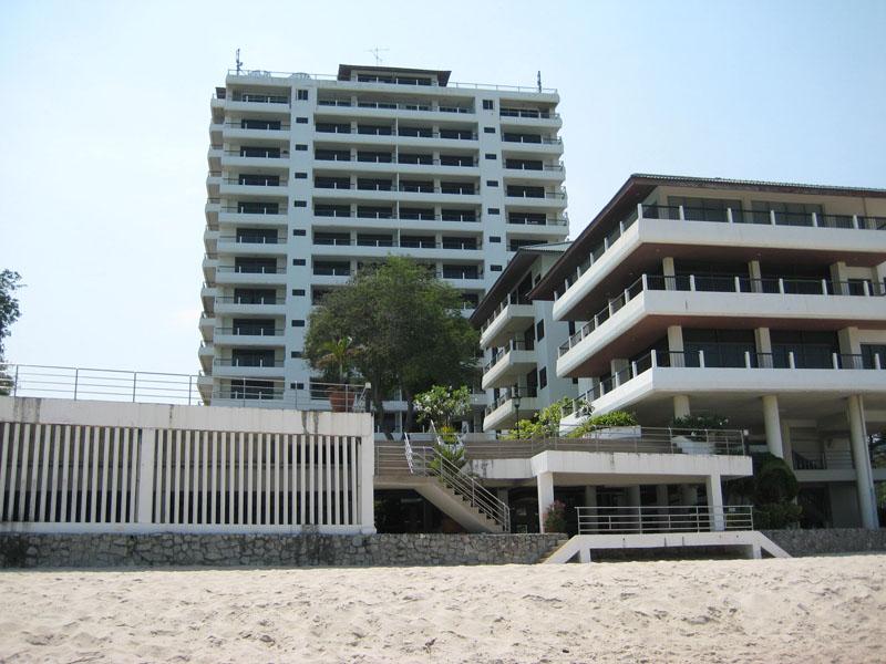 Невероятно большие апартаменты с 180-градусным видом на море