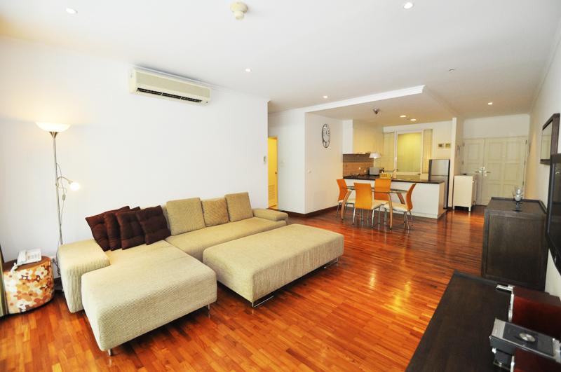 Апартаменты в центре Хуа Хина, первая линия. Baan Sanploen